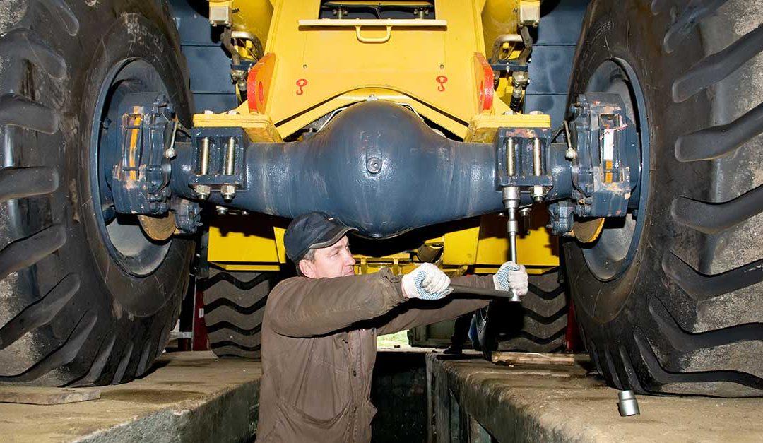 Como realizar a manutenção de escavadeiras e carregadeiras de forma eficiente e segura